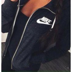 https://www.instagram.com/alyssia.viviane/ nike wear black jacket