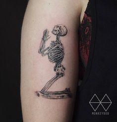 Praying Skeleton http://tattooideas247.com/praying-skeleton/