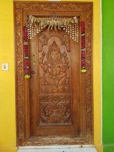 Teak wood door Sri Gan...