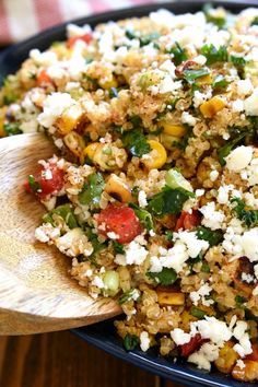 Looking to mix up your salad routine? This Mexican Street Corn Quinoa is for you! Loaded with all the delicious flavors of Mexican Street Corn, this quinoa salad is fresh, flavorful, and perfect for summer! Corn Recipes, Mexican Food Recipes, Vegetarian Recipes, Healthy Recipes, Healthy Foods To Make, Healthy Grains, Quinoa Side Dish, Southwest Quinoa Salad, Mexican Street Corn