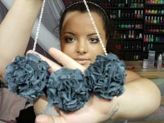 DIY: Flower PomPom Necklace