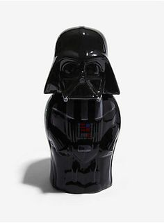 Whether you're gearing up for an evening traveling to galaxies far, far away, or just headed down to your local cantina, make sure you're drinking in style with this Darth Vader ceramic stein!  Made by Signature Steins, it features a hinged lid with pewter thumb lift.</p>  <ul> <li>22 oz. capacity</li> <li>Ceramic</li> <li>Handwash only</li> <li>Imported</li> </ul>