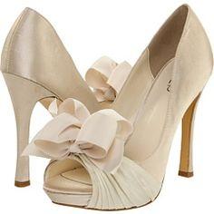 si llego  a encontrar unos zapatos tan divinos como estos, me caso de nuevo! ;)