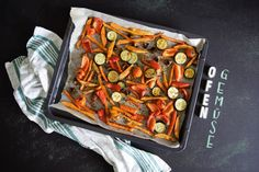 Ofengemüse mit Süßkartoffelpommes- super schnell, einfach & lecker...Wenn man mal keine Lust hat ewig am Herd zu stehen! Und auch noch super gesund!