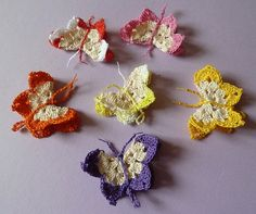 Instructions for crocheted butterflies - Schmetterling Love Crochet, Crochet Motif, Beautiful Crochet, Knit Crochet, Crochet Patterns, Crochet Butterfly, Crochet Flowers, Material Flowers, Crochet Animals
