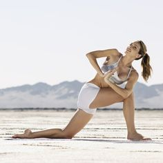 Did you know YOGA is one of the most effective ways to fight CELLULITE? Here's the jiggle-busting workout you need to try. #fitfluential #yoga bridges exercise, cellulit fast, skin care, fight cellulit, yoga pose, cardio yoga, yoga move, four weeks to fit, workout cellulite