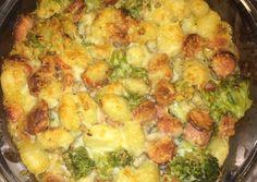 Maradékmentő virslis gnocchi | Farkas Gyöngyi receptje - Cookpad receptek Gnocchi, Sprouts, Feta, Cauliflower, Chicken, Vegetables, Cauliflowers, Vegetable Recipes, Cucumber