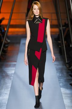 Roland Mouret Fall 2014 RTW - Review - Fashion Week - Runway, Fashion Shows and Collections - Vogue