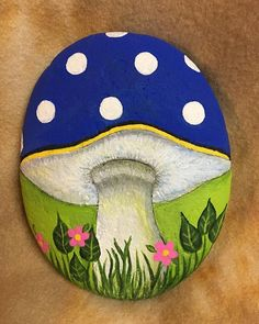 #mushroom #handpainted #paintedstone #rockinart58 Painted all the way around the rock. How can I make it stand up????