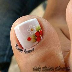 #unhasdasemana #unhasdecoradas Cute Toe Nails, Cute Toes, Toe Nail Art, Pretty Nails, Pedicure Designs, Toe Nail Designs, Mani Pedi, Manicure, Queen Nails