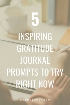 Gratitude journal ideas and prompts to bring more positive energy to your day. Start your gratitude journal today to experience the amazing benefits of daily gratitude. #gratitude #gratitudejournal #selfcare Gratitude Jar, Gratitude Journal Prompts, Practice Gratitude, Calming Activities, Inspirational Words Of Wisdom, I Love Reading, Famous Quotes, Journal Ideas, Poems