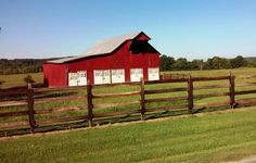 Rustic barns dotted in the landscape – GSN Photography