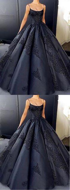 Gorgeous black satin long evenin gwon