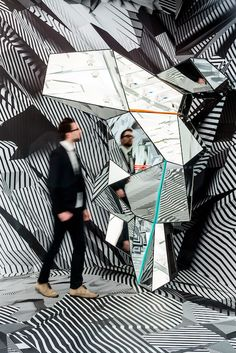 "on graphic illusions… ""Home and Away and Outside"" exhibition of Tobias Rehberger in Schirn Kunsthalle Frankfurt museum Tobias Rehberger, Instalation Art, Art Sculpture, Exhibition Display, Mirror Art, Stage Design, Booth Design, Art Plastique, Home And Away"
