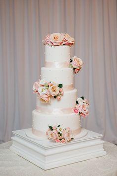 Floral Design: Jardiniere Fine Flowers - http://www.stylemepretty.com/portfolio/jardiniere-fine-flowers Cake: A Sweet Passion - http://www.stylemepretty.com/portfolio/a-sweet-passion Photography: Kelly Kollar Photography - kellykollar.com   Read More on SMP: http://www.stylemepretty.com/2016/04/13/this-elegant-vintage-inspired-affair-will-leave-you-in-awe/