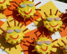 Sunshine Cupcakes.  Super cute and easy.  Great for the start of summer, the end of the school year or a summer party!