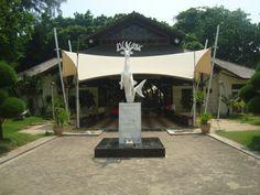 Welcome Statue Bidadari Island