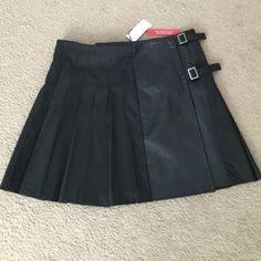 Black pleaded skirt Pleaded New York & Company Skirts