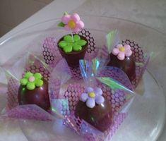 Resultado de imagem para docinhos decorados flores