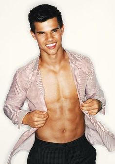 Taylor Lautner - banking on that smile :D
