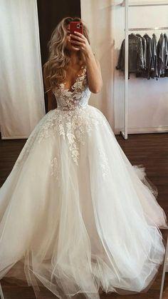 Bodice Wedding Dress, Top Wedding Dresses, Applique Wedding Dress, Elegant Wedding Dress, Bridal Dresses, Wedding Gowns, Lace Applique, Princess Wedding Dresses, Wedding Dress Long Train