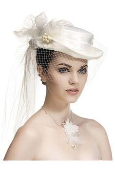 Chapeau de mariée avec fleurs et rubans