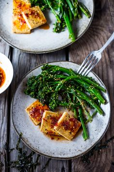 Garlic Chili Tofu with Sesame Broccolini- a delicious and fast, 15 minute dinner that is vegan and gluten free. Healthy & Yummy! | www.feastingathome.com Tofu Recipes, Clean Eating Recipes, Whole Food Recipes, Vegetarian Recipes, Healthy Eating, Healthy Recipes, Dinner Recipes, Lentil Recipes, Eating Clean