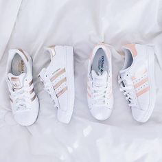 ADIDAS Women's Shoes - Adidas Women Shoes - ❝je taime❞ - We reveal the news in sneakers for spring summer 2017 - Find deals and best selling products for adidas Shoes for Women Trendy Shoes, Cute Shoes, Me Too Shoes, Casual Shoes, Adidas Shoes Women, Nike Women, Adidas Boots, Rose Gold Adidas Shoes, Nike Socks