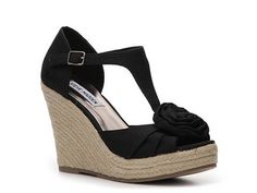 Love Wedges..i need some more black ones that don't show my ugly toes!