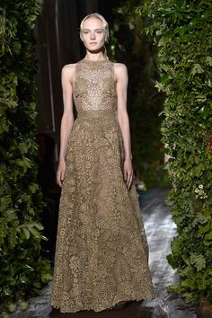 The Best Looks from the Couture Fall Winter 2015 Runway - Valentino