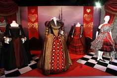 Alice in wonderland-Tim Burton Colleen Atwood at the Academy Awards® in Colleen Atwood, Movie Costumes, Cool Costumes, Costume Ideas, Chesire Cat, Alice In Wonderland Costume, Hallowen Costume, The Costumer, Costume Collection