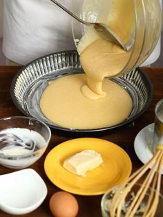 """Baking with the Wrong-Size Tin : """"Always use the right-sized tin,"""" says Lorraine Pascale. Substituting a different pan size for the one the recipe calls for may cause your cake to be overbaked or underbaked. Baking Tins, Baking Recipes, Baking Hacks, Baking Ideas, Spring Baking Championship, Baking Pan Sizes, Chef School, No Bake Pies, Food Hacks"""