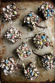 Pin for Later: 22 Things to Make When You Need to Use Up All Your Easter Candy Easter Egg Brownies Get the recipe: Easter egg brownies Easter Candy, Easter Treats, Holiday Treats, Holiday Recipes, Easter Egger Chicken, Easter History, Brownies, Easter Songs, Easter Wishes