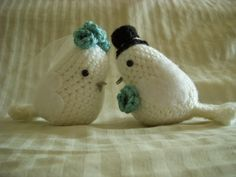 Love Birds  •  Free tutorial with pictures on how to make a dove plushie in 1 step
