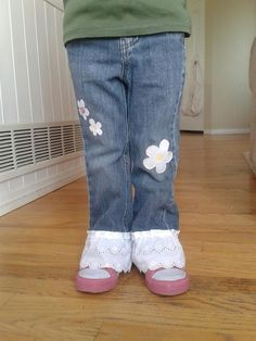 Fix girls pants that still fit in waist bit are too short and have hole in knee with lace and iron on patch cut into shapes. Source by lauradz Jeans Sewing Projects For Kids, Sewing For Kids, Sewing Ideas, Patched Jeans, Denim Jeans, Diy Patches, Baby Kids Clothes, Girls Pants, Kid Styles