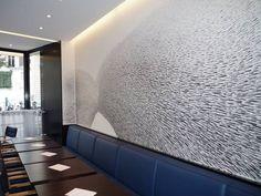 La fresque murale, retrouve ses lettres de noblesse et redevient une solution originale pour apporter de la modernité à votre intérieur. Un feutre, une surface à transformer, c'est tout ce dont ... #maisonAPart