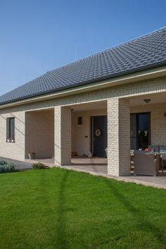 Rustique Garage Doors, Building, Outdoor Decor, Home Decor, Rustic, Homemade Home Decor, Buildings, Decoration Home, Construction