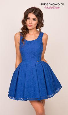 LOCA - Sukienka rozkloszowana z kontrafałdami koronkowa chabrowa