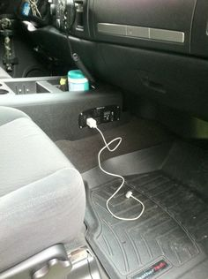 good idea for travels and laptop hookup-research Jeep Mods, Truck Mods, Car Mods, Jeep Wj, Jeep Truck, Jeep Wrangler, Chevy Trucks, Pickup Trucks, Accessoires Jeep