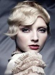 Vintage Hollywood Glam Hair Styling Tips - Learn how you can easily create a vintage Hollywood glam hairstyle easily so you can look amazing for any special occasion you must attend! Formal Hairstyles For Short Hair, Retro Hairstyles, Party Hairstyles, Wedding Hairstyles, Short Hair Styles, Flapper Hairstyles, Woman Hairstyles, Hairstyle Ideas, Wedding Upstyles