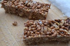 Crunchy Cereal Bars Oat Cereal, Rice Cereal, Cereal Bars, Healthy Snacks, Healthy Eating, Kid Friendly Meals, Almond Butter, Cookie Bars, Gluten Free Recipes