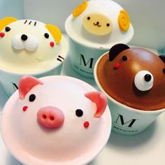 Incredibly cute cakes, colorful macarons, and nicely-shaped chocolates can be found all throughout Korea, where even the ice cream ca Korean Sweets, Korean Food, Korean Cafe, Fancy Desserts, Instagram Worthy, Macaron, Cute Cakes, Cute Food, Food Art
