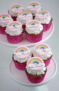 Rainbow dash pony cupcakes