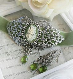 SAGE GARDEN medieval choker, Victorian velvet choker sage green with matching earrings, free gift boxing Lush Band, Shades Of Green, Green And Grey, Cameo Jewelry, Jewellery, Fantasy Jewelry, Free Gifts, Earring Set, Jewelry Accessories