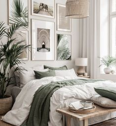 Home Bedroom, Bedroom Interior, Bedroom Design, Beige Bedroom, Bedroom Green, Bedroom Posters, Aesthetic Bedroom, Room Ideas Bedroom, Apartment Decor