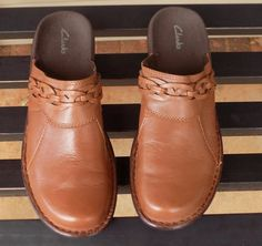 CLARKS Brown Clogs Mules BRAIDED & SCALLOPED Detail Size 10 M Shoes #Clarks…