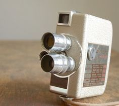 1950S Revere Eight 8mm movie camera model 84