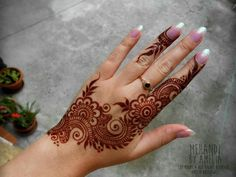 The Beys Design Henna Finger Henna Designs, Mehndi Designs 2018, Modern Mehndi Designs, Mehndi Design Pictures, Bridal Henna Designs, Mehndi Designs For Fingers, Beautiful Mehndi Design, Henna Tattoo Designs, Indian Henna Designs