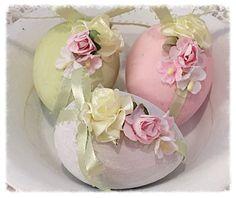 Cottage Chic 3 Easter EGGS Bowl fillers by RoseChicFriends Easter Egg Crafts, Easter Eggs, Easter 2018, Easter Season, Egg Art, Egg Decorating, Vintage Easter, Easter Wreaths, Quilling 3d