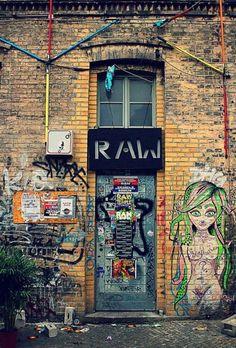 Raw Tempel - place for Street art and grafitti in Berlin Germany Street Art, Berlin Street, Street Graffiti, Wall Street, Tachisme, Berlin Ick Liebe Dir, Berlin Club, Berlin Nightlife, Berlin Hauptstadt